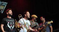 vier Musiker der Band Sattas nebeneinander, Quelle: DTF