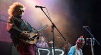 Musiker von Baba Zula auf nebliger Bühne wie vom Winde verweht, Quelle: DTF